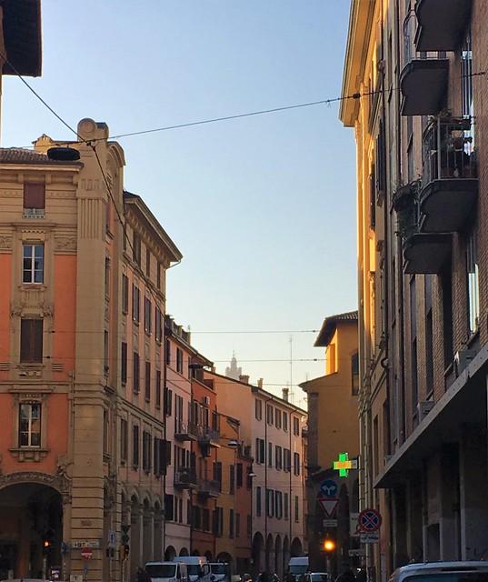 Via Mascarella and Asinelli Tower