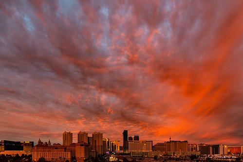 nevada lasvegas sunrise sunrisecolor clouds strip lasvegasstrip photography jamesmarvinphelps jamesmarvinphelpsphotography