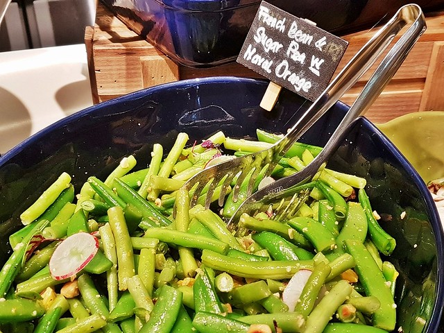 French Beans & Sugar Peas With Navel Orange