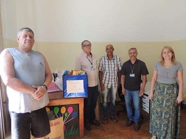 Colégio faz doação de alimentos a instituições de Juiz de Fora