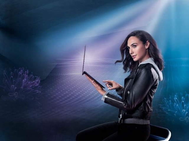 Christmas Wishlist with Gal Gadot | Asus Zenbook