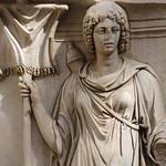 Plinto con personificazione di Provincia (Mauretania) dal Tempio di Adriano MC768 - https://www.flickr.com/people/82911286@N03/