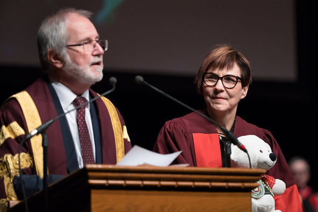 Fall2018Convocation Bus Hum SS, Canon EOS-1D X MARK II, Canon EF 200-400mm f/4L IS USM