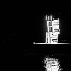 Light sculpture installed by MAAT at a Tagus River jetty