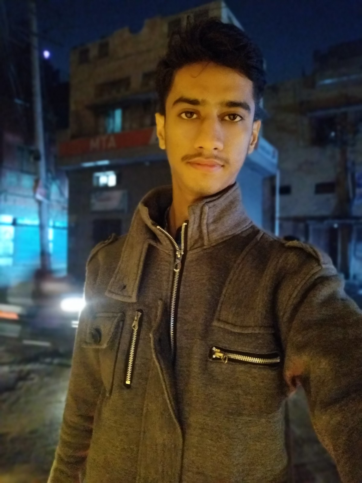 Selfie at night with Vivo Y95