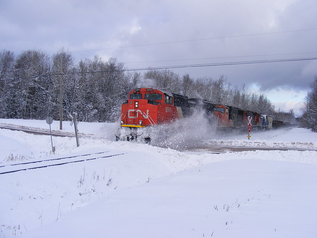 Westbound CN train at, Fujifilm FinePix S5700 S700