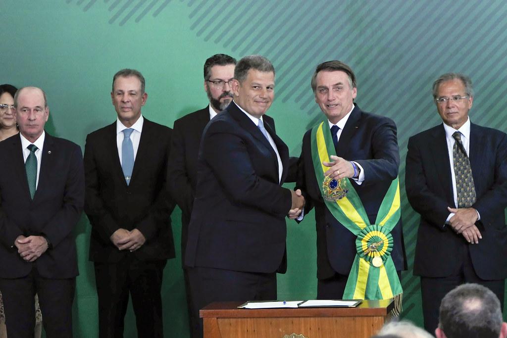 Áudio de Bolsonaro sobre viagem de ministros à Amazônia vaza, e decepciona, Solenidades. Homenagens