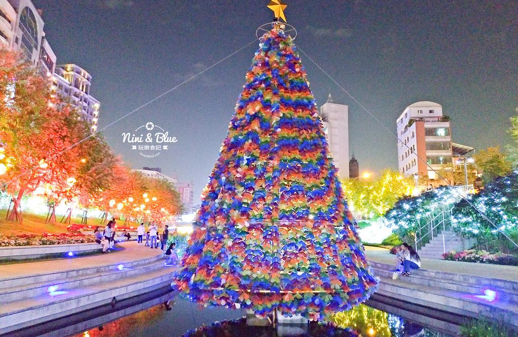 31263881517 18e6880390 b - 2018年台中聖誕節光景藝術 水中耶誕樹