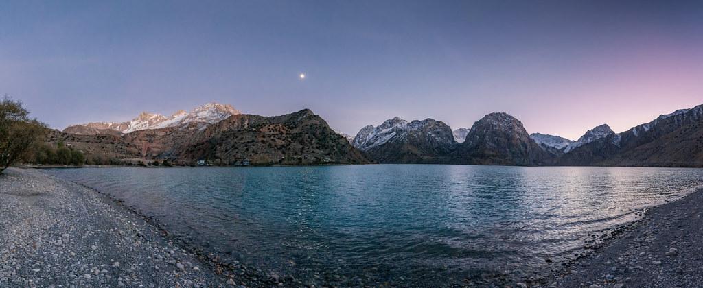 Вечерний Искандеркуль. Таджикистан 2018.