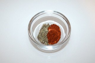 10 - Zutat Pfeffer & Chiliflocken / Ingredient pepper & chili flakes