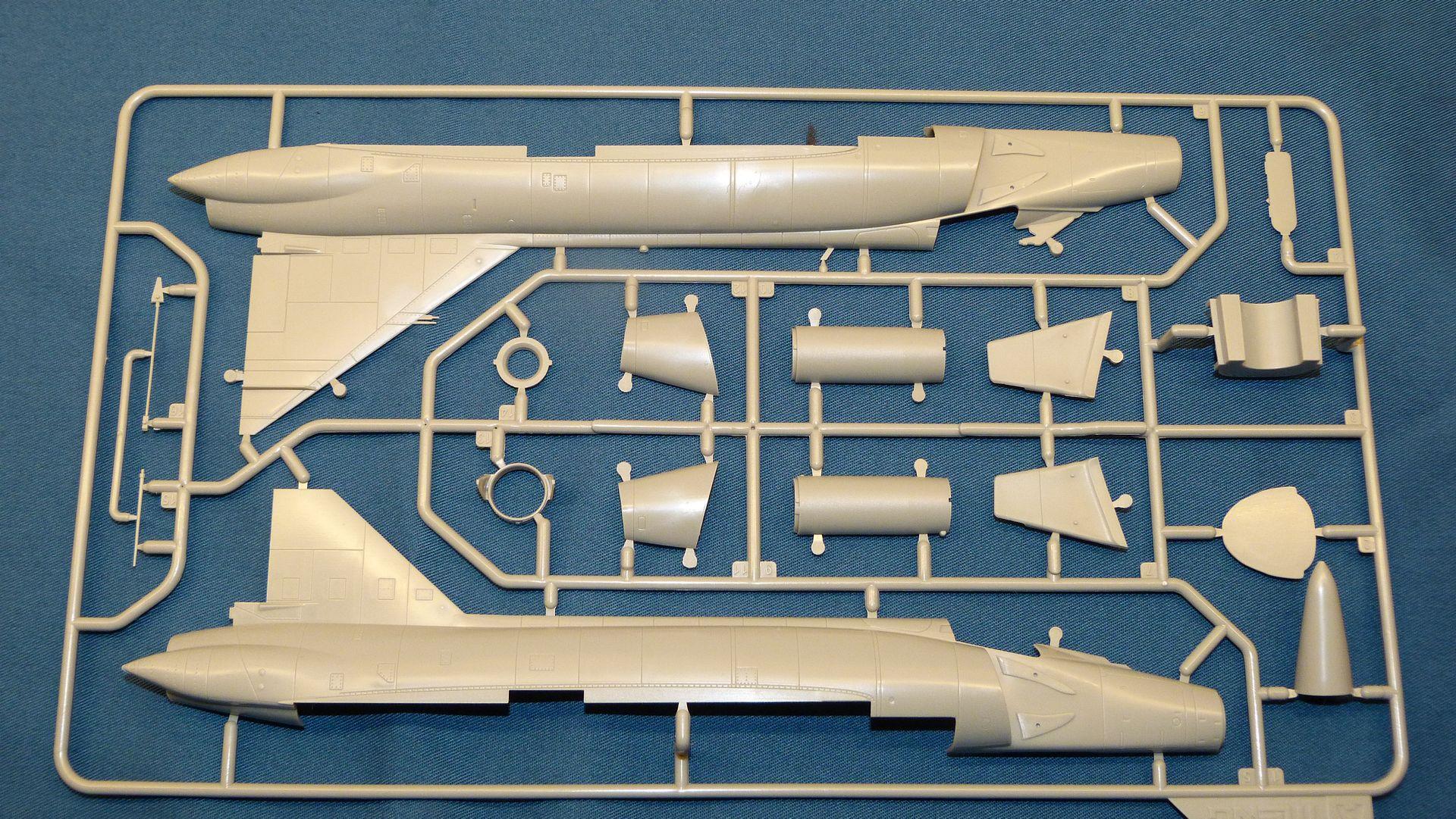 Meng Deltavingar, F-102 och F-106, 1/72 32010333558_fcb66c3d40_o