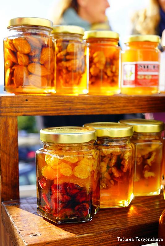 Орешки и сухофрукты в меду