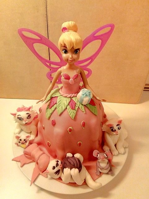 Cake by Ina Petre of Isabella's Cake