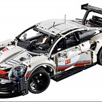 LEGO Technic 42096 Porsche 911 RSR 3
