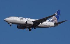 N24706 737-700  United Airlines