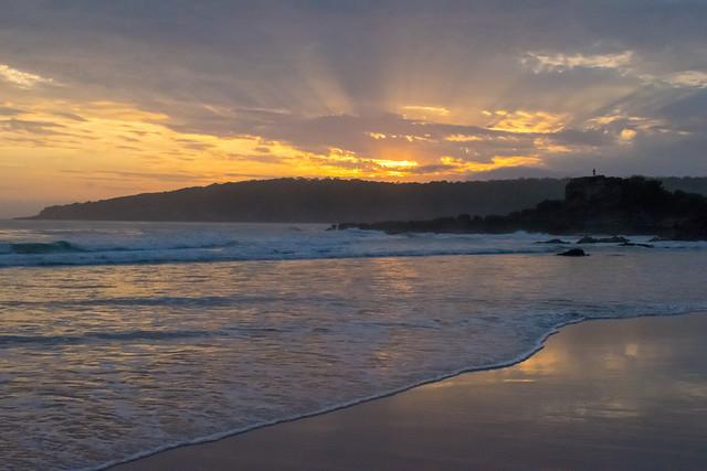 Sunrise over Pambula Beach, Nikon D3300, AF-S DX Nikkor 18-140mm f/3.5-5.6G ED VR