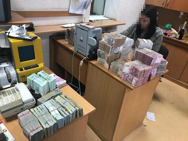 В Одесі СБУ припинила діяльність конвертаційного центру з багатомільйонним обігом