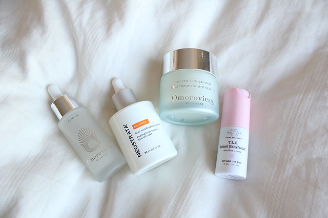 Review of Drunk Elephant Sukari Babyfacial, Omorovicza Acid Fix, Omorovicza Silver Skin Savior, Neostrata Enlighten Dual Acid Brightening Peel review Neostrata Enlighten Dual Acid Brightening Peel