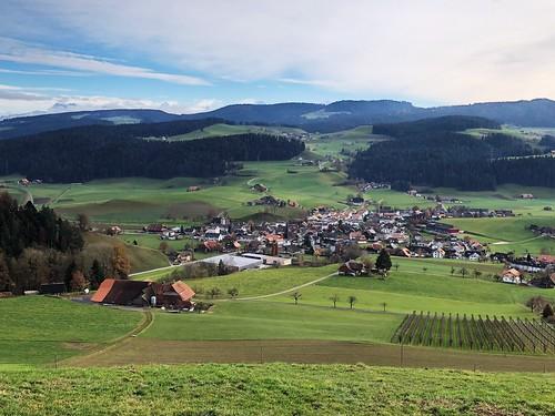 Herbst auf dem Möschberg Oberthal: Blick Richtung Zäziwil