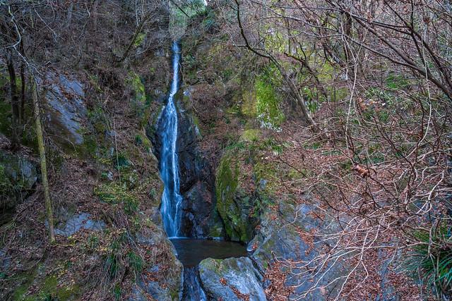 大滝・・立派な滝です