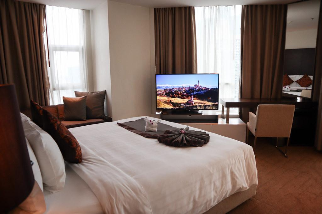 Anantara Sathorn Bangkok Hotel (50)