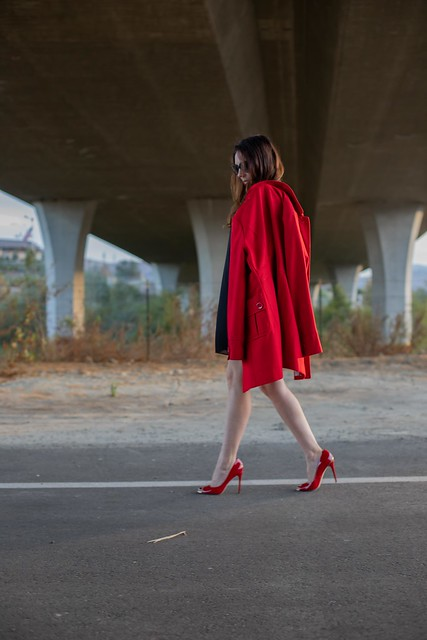 holiday red pumps