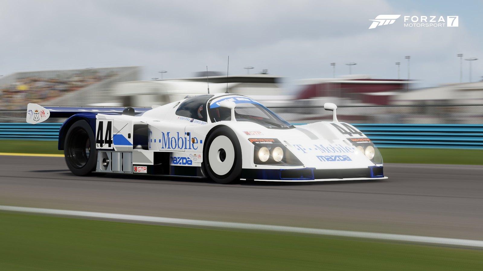 Classic 24 Hours of Daytona - Media 44720719890_8855538515_h