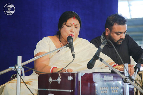 Devotional song by Maya Paul from Noida Uttar Pradesh