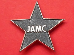 VINTAGE MARY CHAIN BROOCH