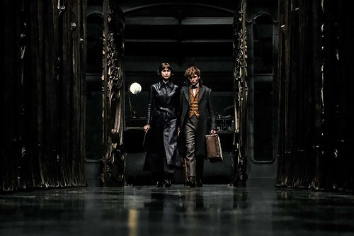 Tina and Newt in the French Ministry of Magic. From A First Look at Fantastic Beasts: The Crimes of Grindelwald