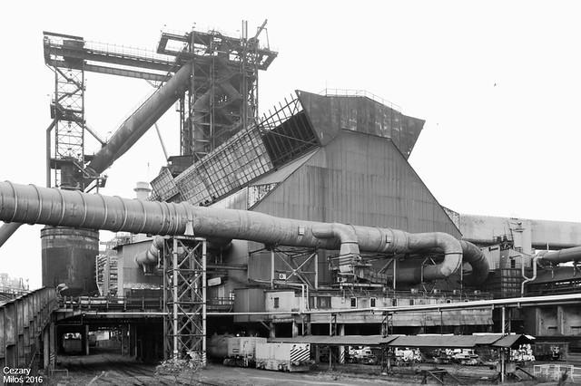 Huta im. T. Sendzimira (obecnie ArcelorMittal Poland Oddział Kraków) - Wielkie Piece, wielki piec nr 5. / Tadeusz Sendzimir Iron&Steel Works (currently ArcelorMittal Poland Unit in Kraków) - Blast Furnaces, blast furnace No.5.