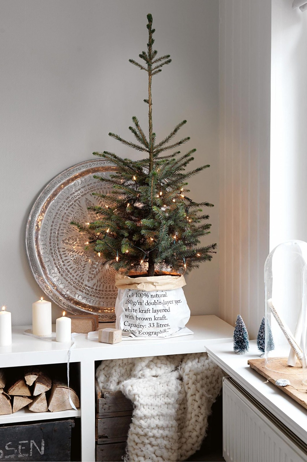 10 Ways to Decorate Your Christmas Tree - Mini Christmas Tree Just Lights