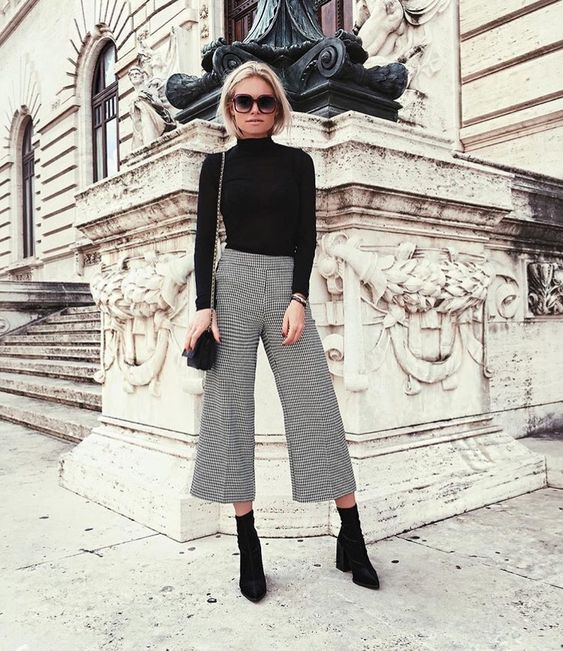black ankle boots sock boots street style outfit 20195