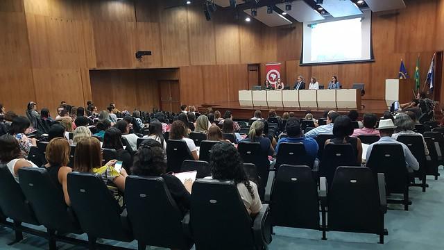 Seminário Diálogos inclusivos - Avanços e desafios na linha do cuidado à população de rua