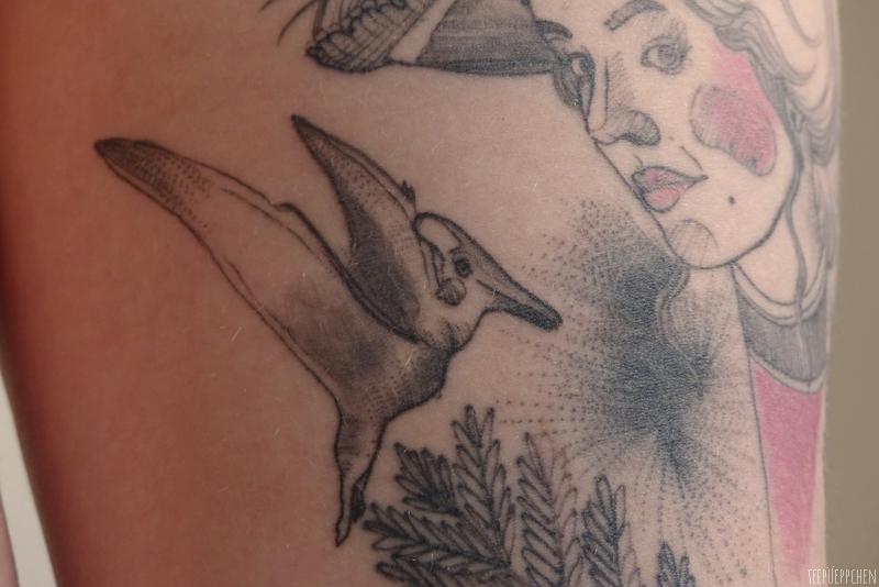 adèle blanc sec dinosaurs tattoo