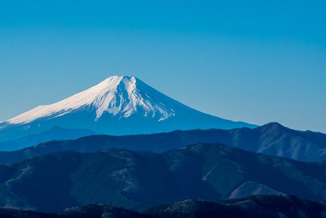 富士山、、右に権現山@展望ポイント