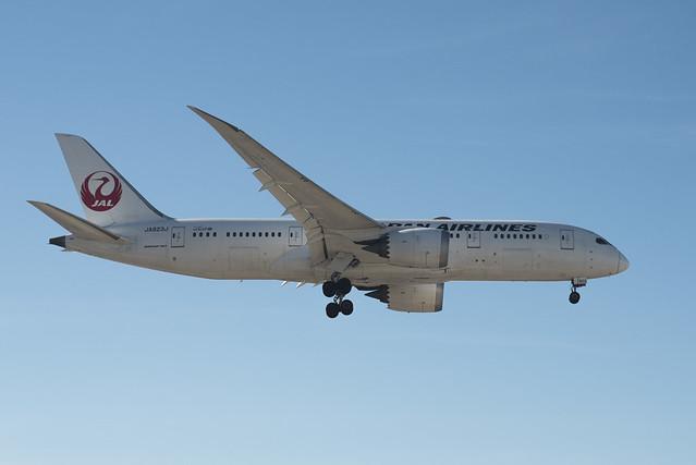 JAL | Boeing 787 | JA823J | KSAN