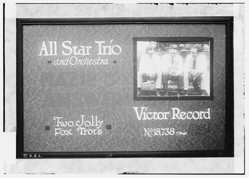 [Poster: Victor] All Star Trio and orchestra, Mazie and Answer, two jolly foxtrots (LOC)