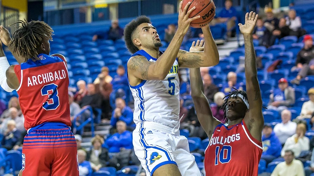 Delaware men's basketball caps off Delaware Invitational with win against Louisiana Tech