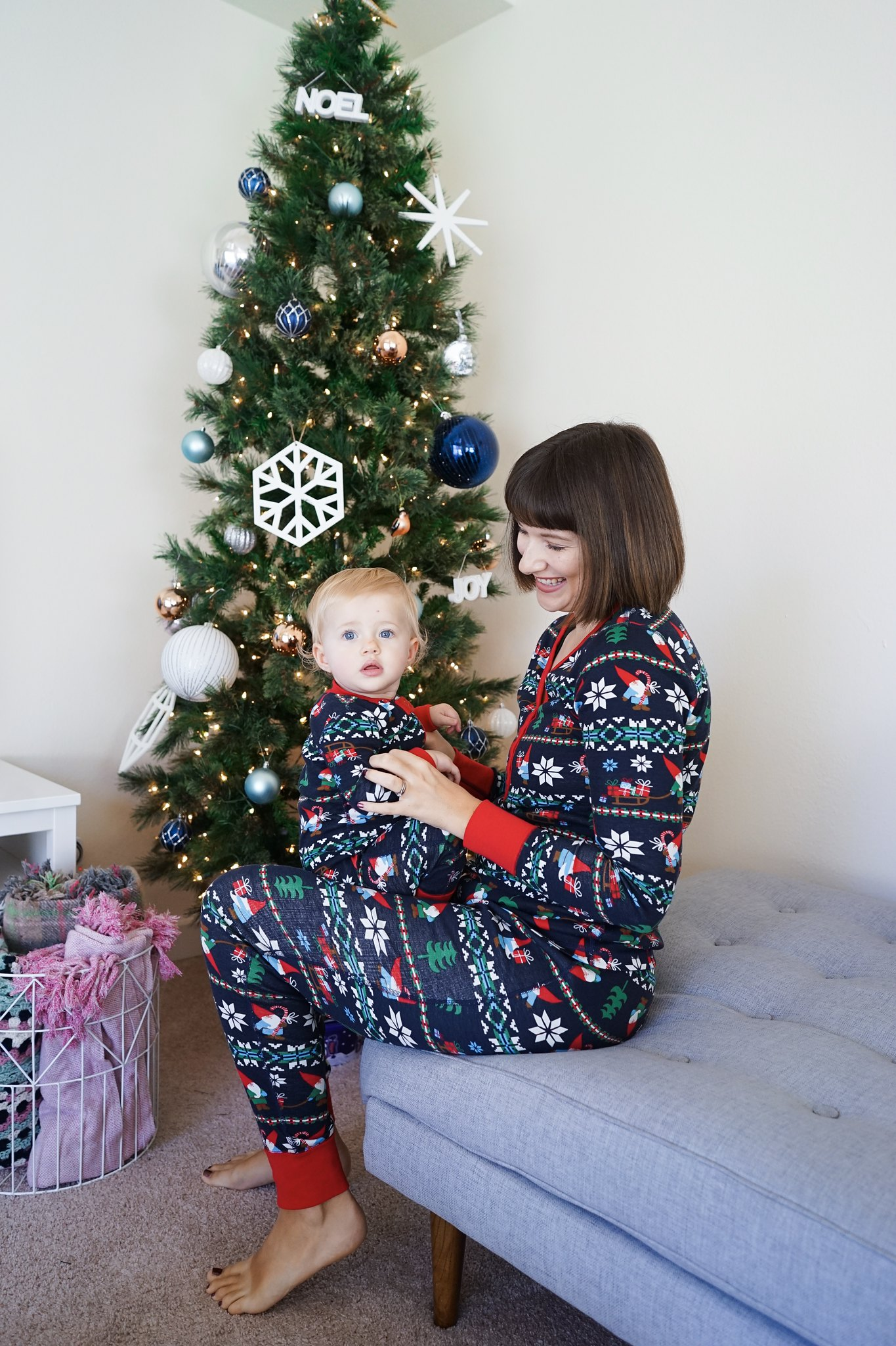 Hanna Andersson, Matching pjs, mommy and me style, Christmas traditions, mom life, mommy blog, fbloggers, hannajams