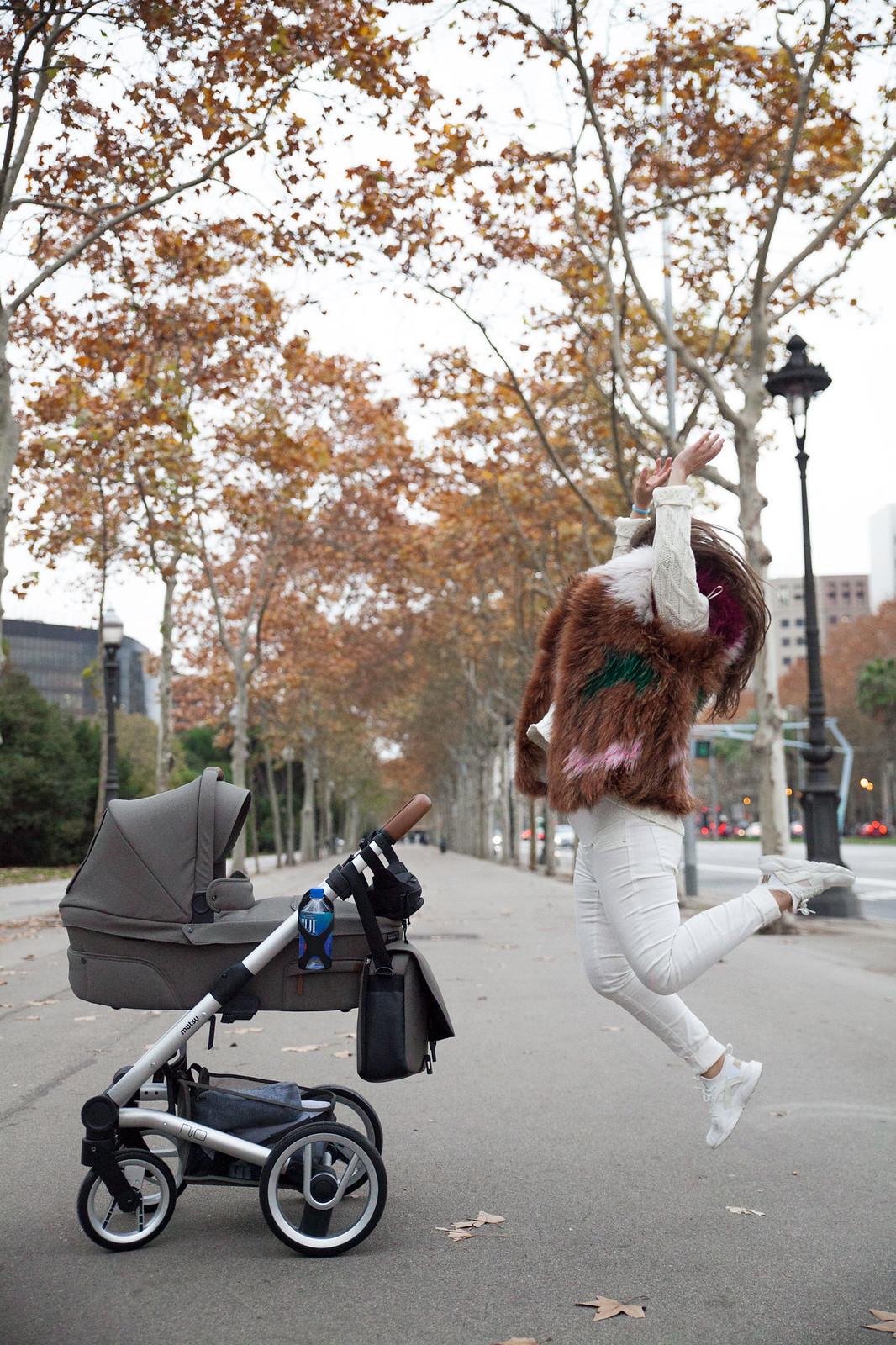 06_LUK_primer_paseo_recien_nacido_mutsy_theguestgirl_perfil_mama_influencer_barcelona_españa
