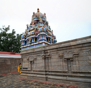 Valli-Deivanai shrine