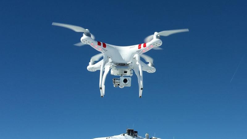 Salah satu fitur yang perlu diperhatikan sebelum membeli drone adalah resolusi video dan kameranya.