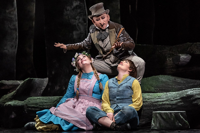 Jennifer Davis as Gretel, Haegee Lee as Sandman and Hanna Hipp as Hansel in Hansel and Gretel, The Royal Opera © 2018 ROH. Photograph by Clive Barda