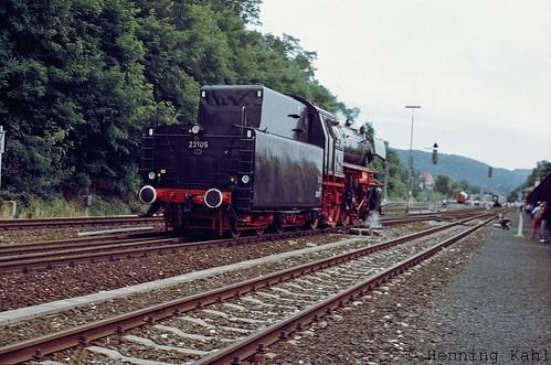 23 105 im Bhf. Hersbruck rechts der Pegnitz 1985