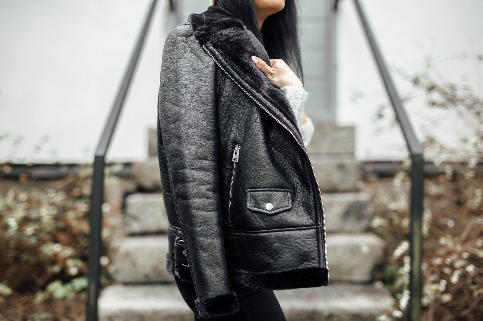 musta takki naiset