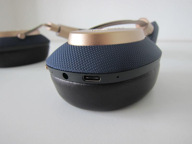 Bowers & Wilkins PX Headphones - Ports
