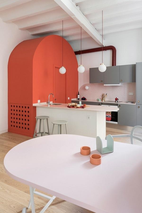 Nội thất dùng màu cam san hô làm điểm nhấn