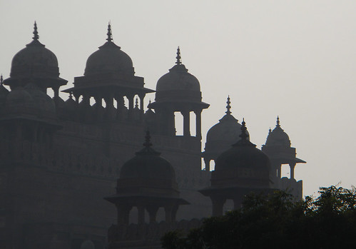 Silhouettes of the mosque in Fatehpur Sikri, a town outside of Agra in India