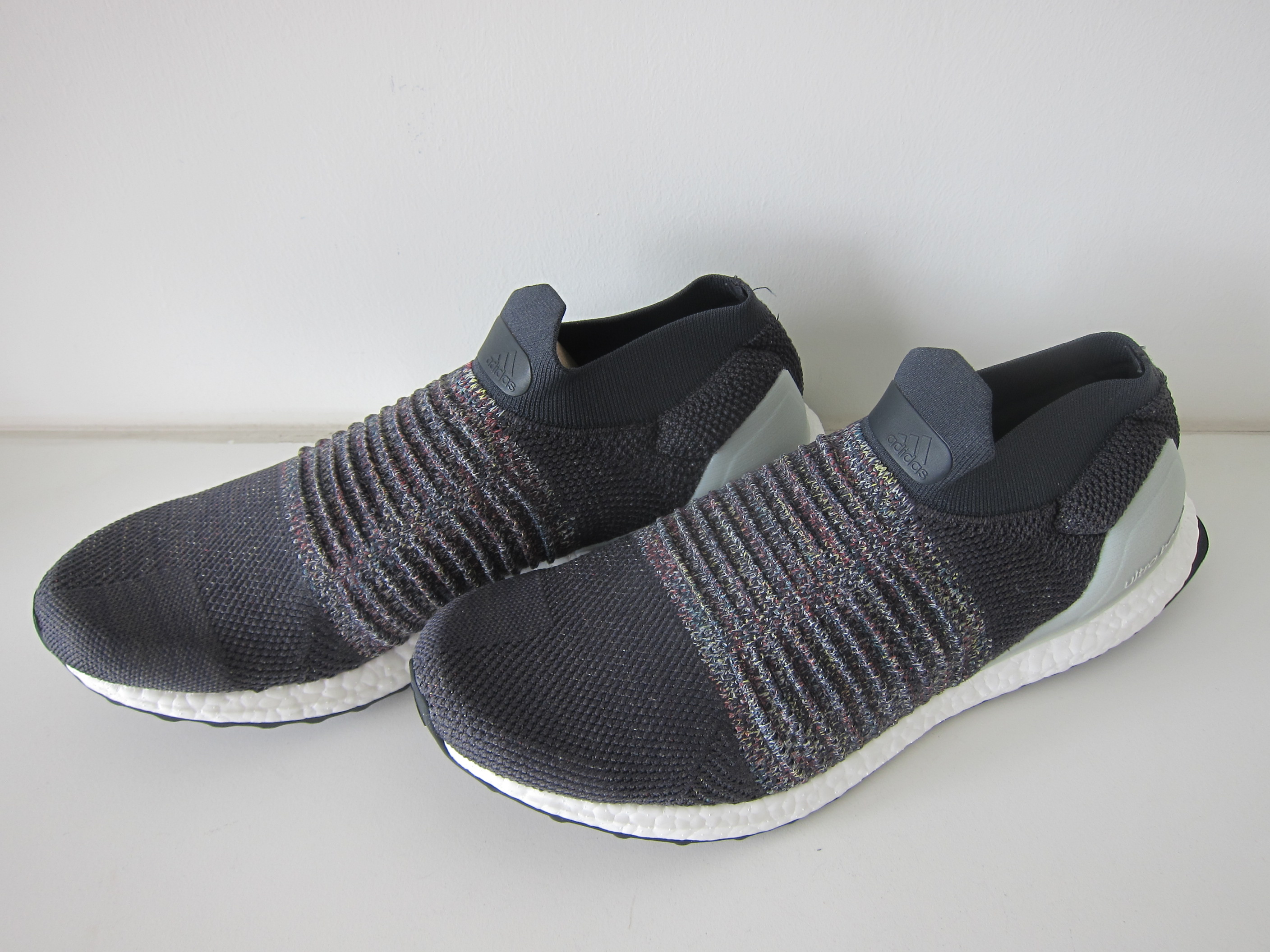 a75593f84458 Adidas Ultra Boost Laceless – Side Adidas Ultra Boost Laceless